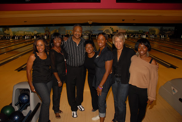KiKi Shepards 8th Annual Celebrity Bowling Challenge (2011) - DSC_0720.JPG