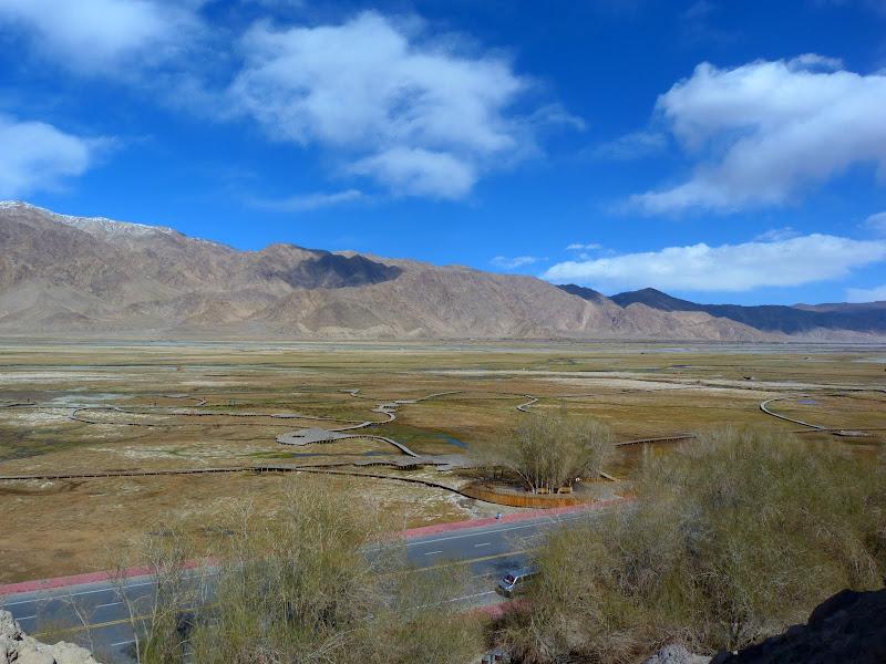 XINJIANG. Karakoram Highway, lune des plus haute route au monde, en passant a 4400 m - P1280586.JPG