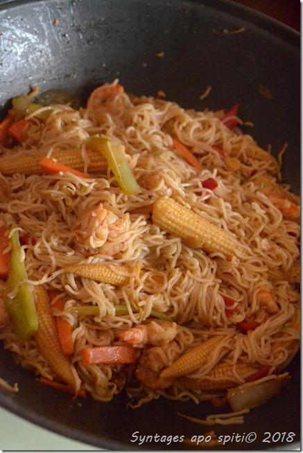 noodles με γαριδες