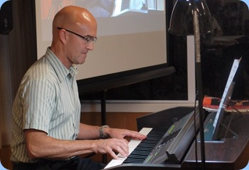 Warren Levick playing the Clavinova CVP-509. Photo courtesy of Dennis Lyons.