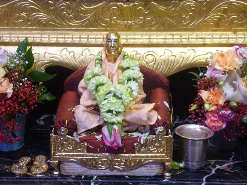ISKCON Bhaktivedanta Manor Deity Darshan 18 Dec 2015 (24)