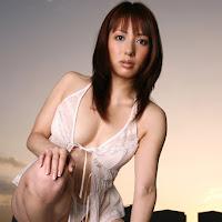 [DGC] 2008.01 - No.527 - Aya Beppu (別府彩) 032.jpg