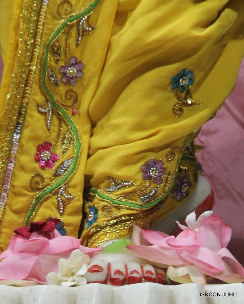 ISKCON Juhu Mangal Deity Darshan on 30th May 2016 (32)