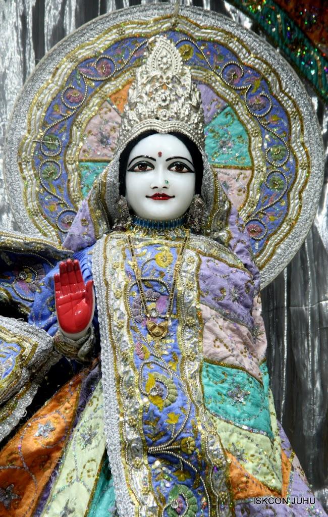 ISKCON Juhu Mangal Deity Darshan on 5th Aug 2016 (7)