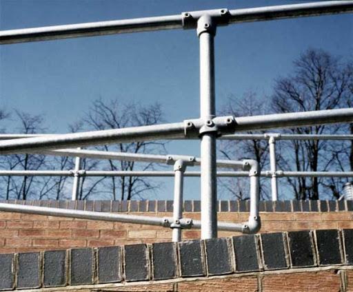Bezpieczne balustrady (barierki) na rampy i podjazdy - KeeAccess, Kee Klamp, Kee Lite, http://www.besafety.com.pl/index.php/barierki-systemowe-2/barierki-keeaccess-2, adam@barierki-systemy.com.pl
