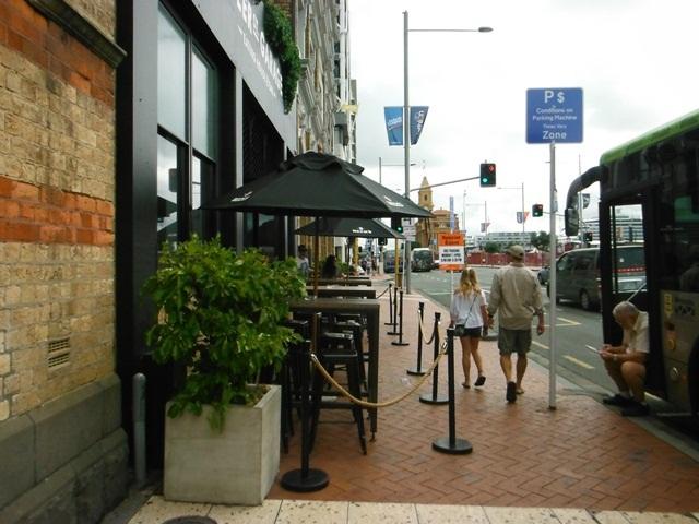 Auckland Sidewalk Dining