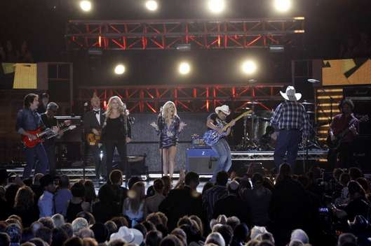 ACM's 2010. Miranda, Carrie Underwood, Brad Paisley, John Fogerty, and Charlie Daniels.