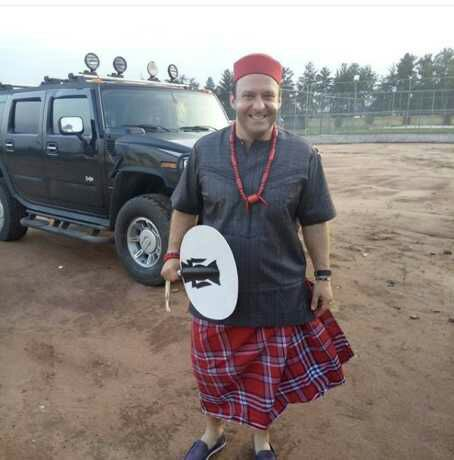 Oyinbo Man Rocks Igbo Outfits To A Dinner Organised By Kanu Nwankwo In Owerri (Photos)