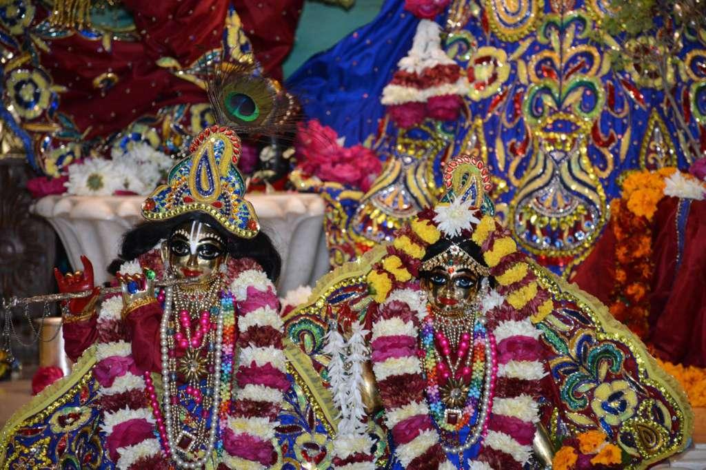ISKCON Ujjain Deity Darshan 22 Dec 2015 (10)