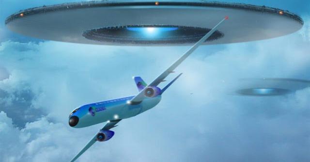 Nave Gigantesca extraterrestre persegue avião jumbo no Alasca e piloto se emociona ao contar relato