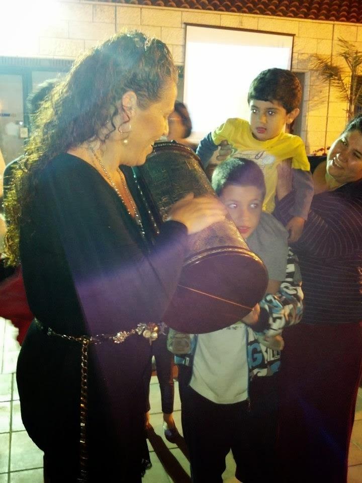Simkhat Torah 2012  - 185027_3808726739557_960521139_n.jpg