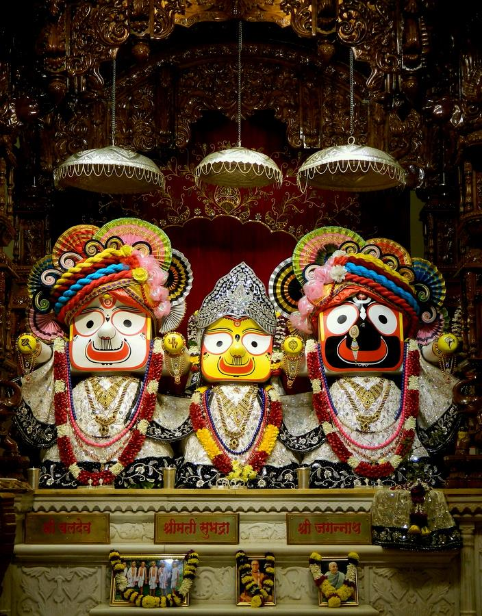 ISKCON Pune NVCC Deity Darshan 10 Jan 2017 (7)