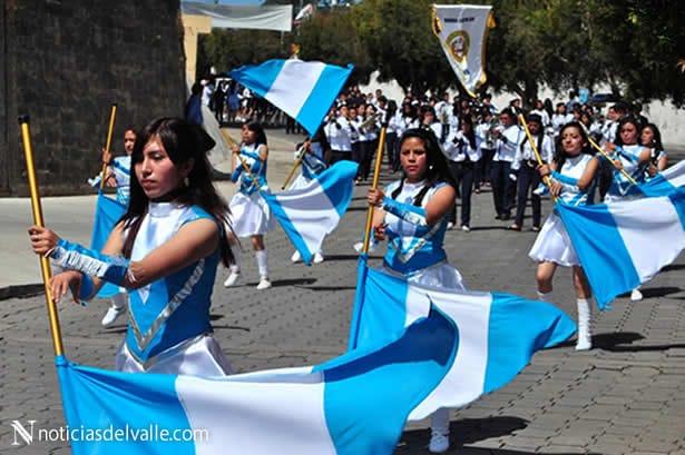 Desfile por actividades de celebración de independencia