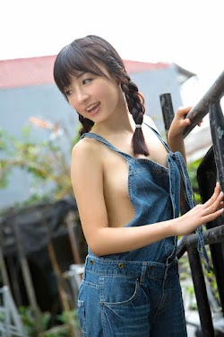 Tani Hatsuho 谷一歩