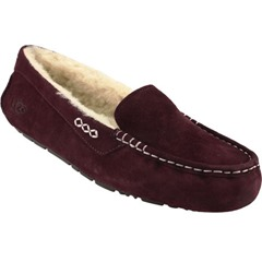 The UGG Ansley casual shoes is the ultimate way to feel luxurious. Silkee suede upper with stitch detail crafted in a moccasin silhouette for added appeal. Wicking sheepskin insoles top EVA midsoles for moisture management and soft cushioning underfoot. Molded gum rubber outsole provides optimal traction.