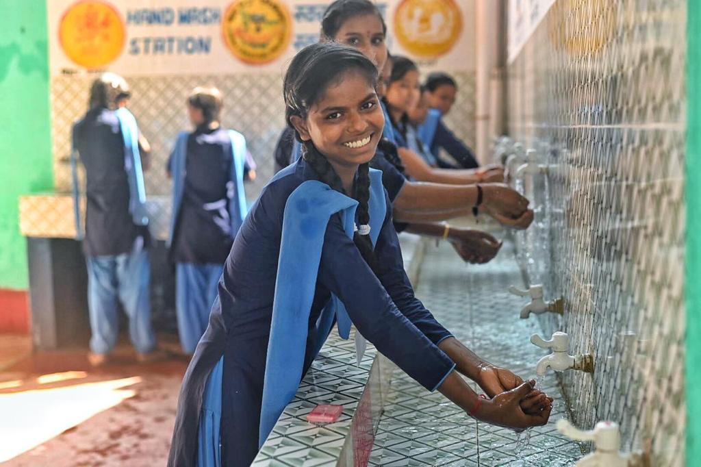 बिहार:बीमारियों से दूर रहने के लिए साबुन से हाथ धोने पर दिया जा रहा बलबिहार