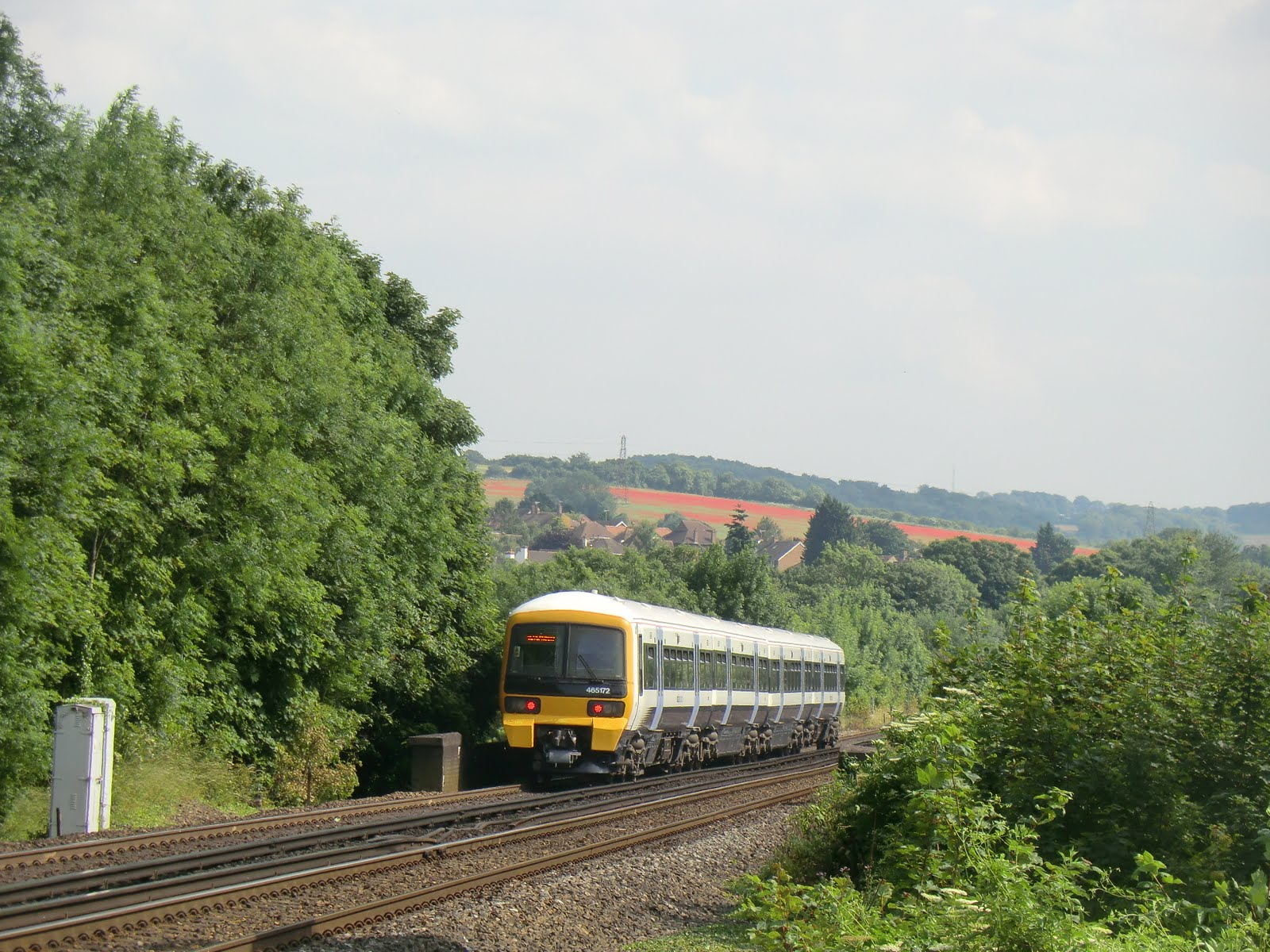 CIMG7519 Train crossing Eynsford viaduct