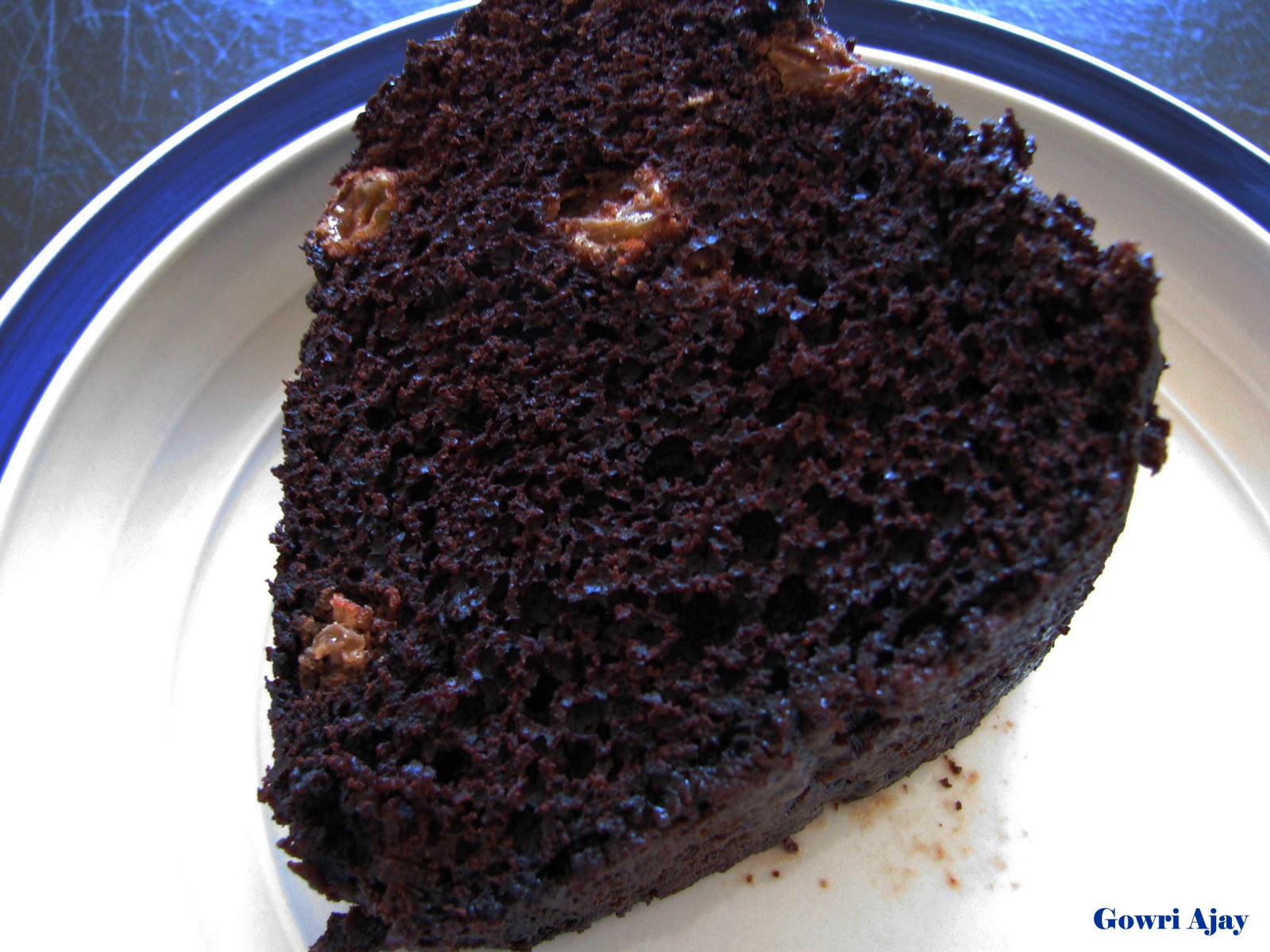 chocolate rum raisin cake