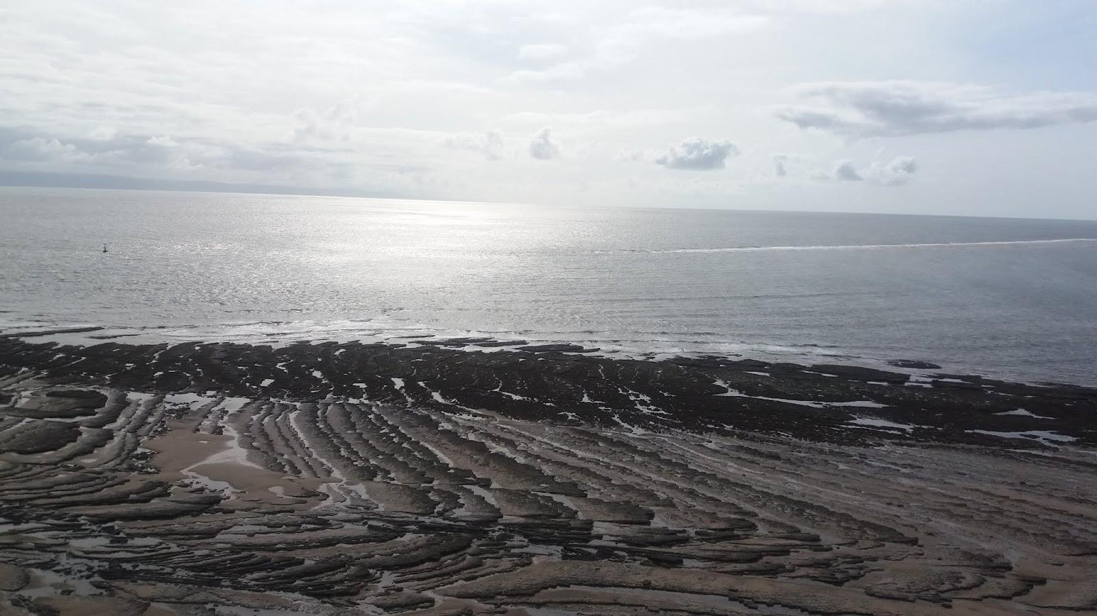 20170824 160826 rock patternn on Traeth Mawr beach