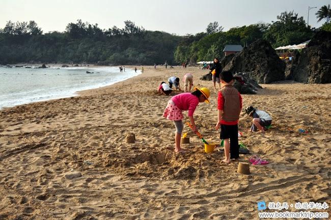 小灣沙灘堆沙堡