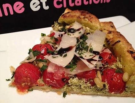 tarte aux tomates cerises, fromage de chèvre et pesto