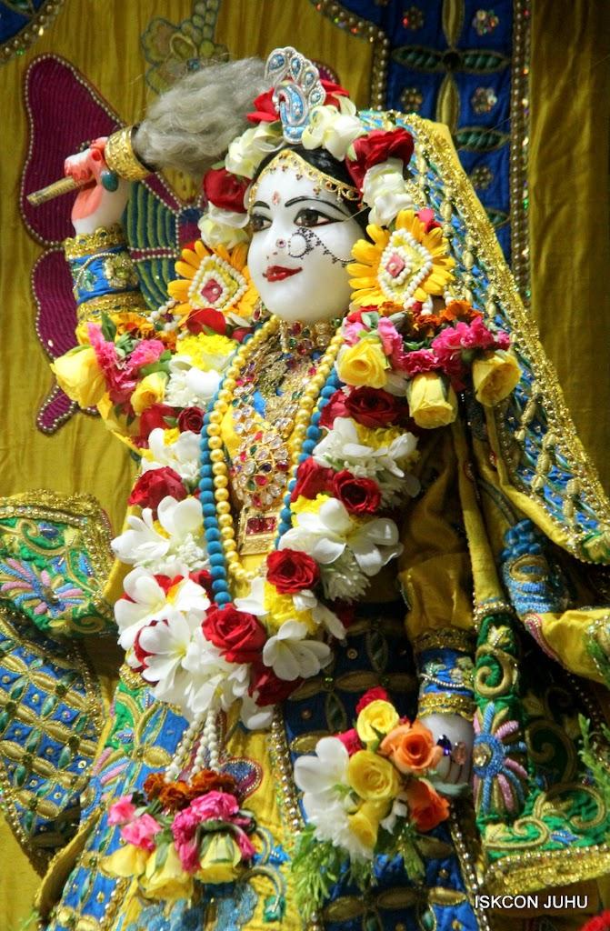 ISKCON Juhu Sringar Deity Darshan on 26th June 2016 (1)