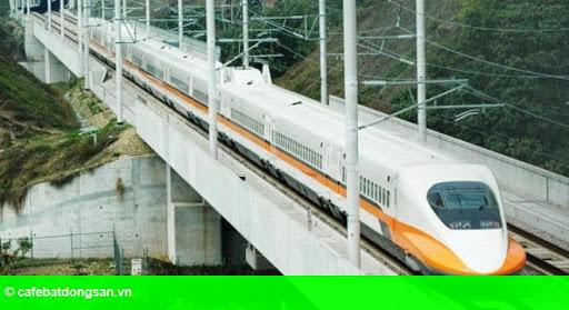 Hình 1: Xã hội hóa đường sắt sẽ dồn vận tải ô tô vào chỗ chết?
