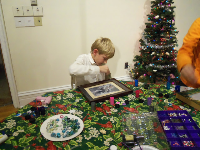2014 - Holiday Craft Party - 101_3041.JPG