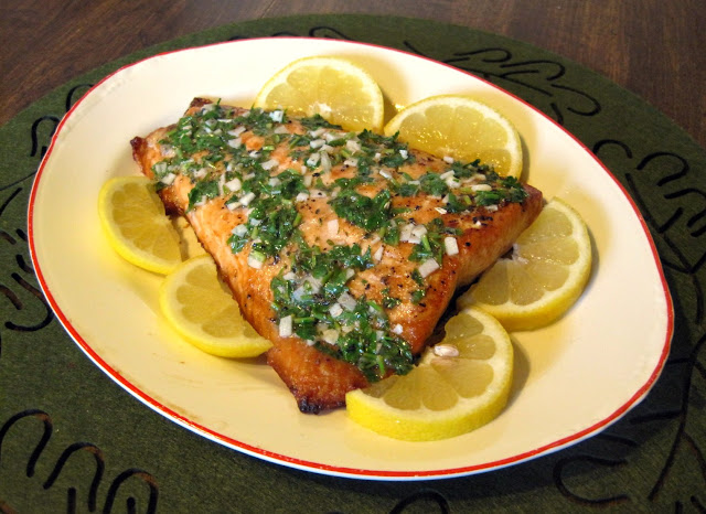 Baked Salmon with Parsley, Onion, and Lemon (Salmone Con Prezzemolo, Cipolla e Limone)