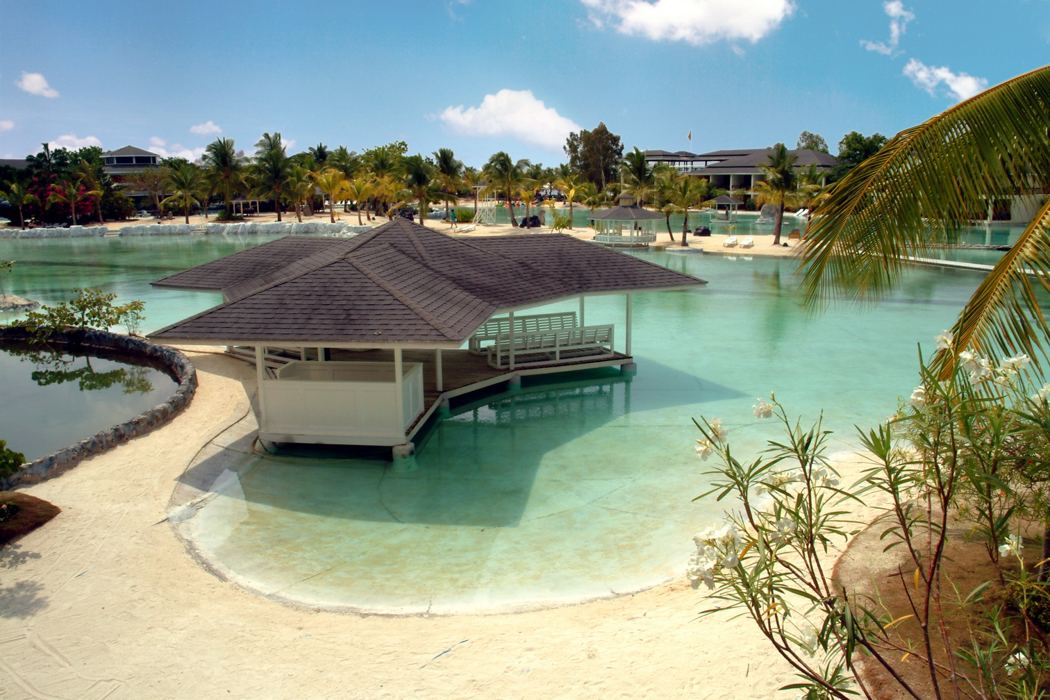 Summer escapade for Cheap hotels in cebu city with swimming pool