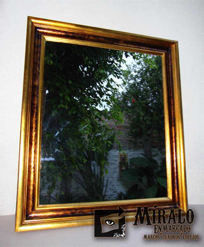 Dorado a la hoja for Espejo marco dorado