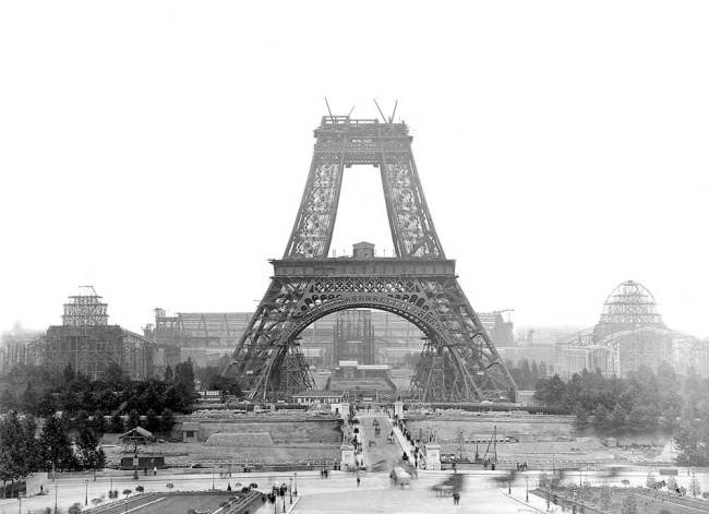Under Construction picture of Eiffel Tower of Paris  in 1888