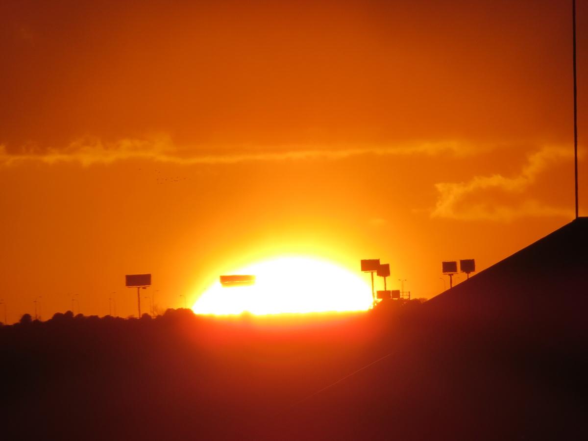 Puesta de sol en madrid sobre el teatro real desde la for El corte ingles madrid sol