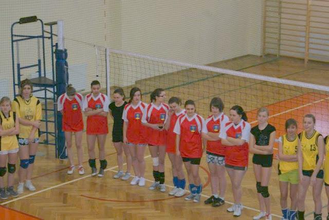 Zawody siatkarskie dziewczat 1 marca 2011 - DSC09274_1.JPG