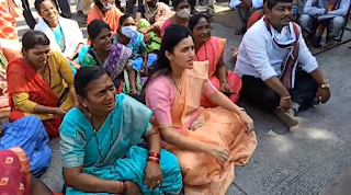 navneet-ranas-protest-outside-the-jail