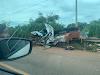 Acidente com carro de funerária mata motorista e cadáver 'voa' na pista; Veja o Vídeo