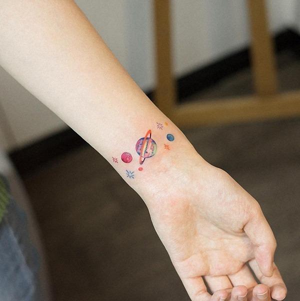 este_espaço_temtico_de_pulso_tatuagem