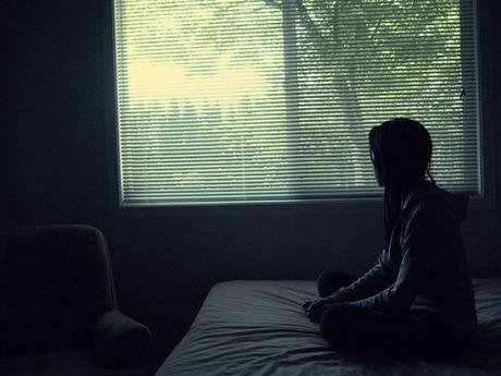 sentada na cama