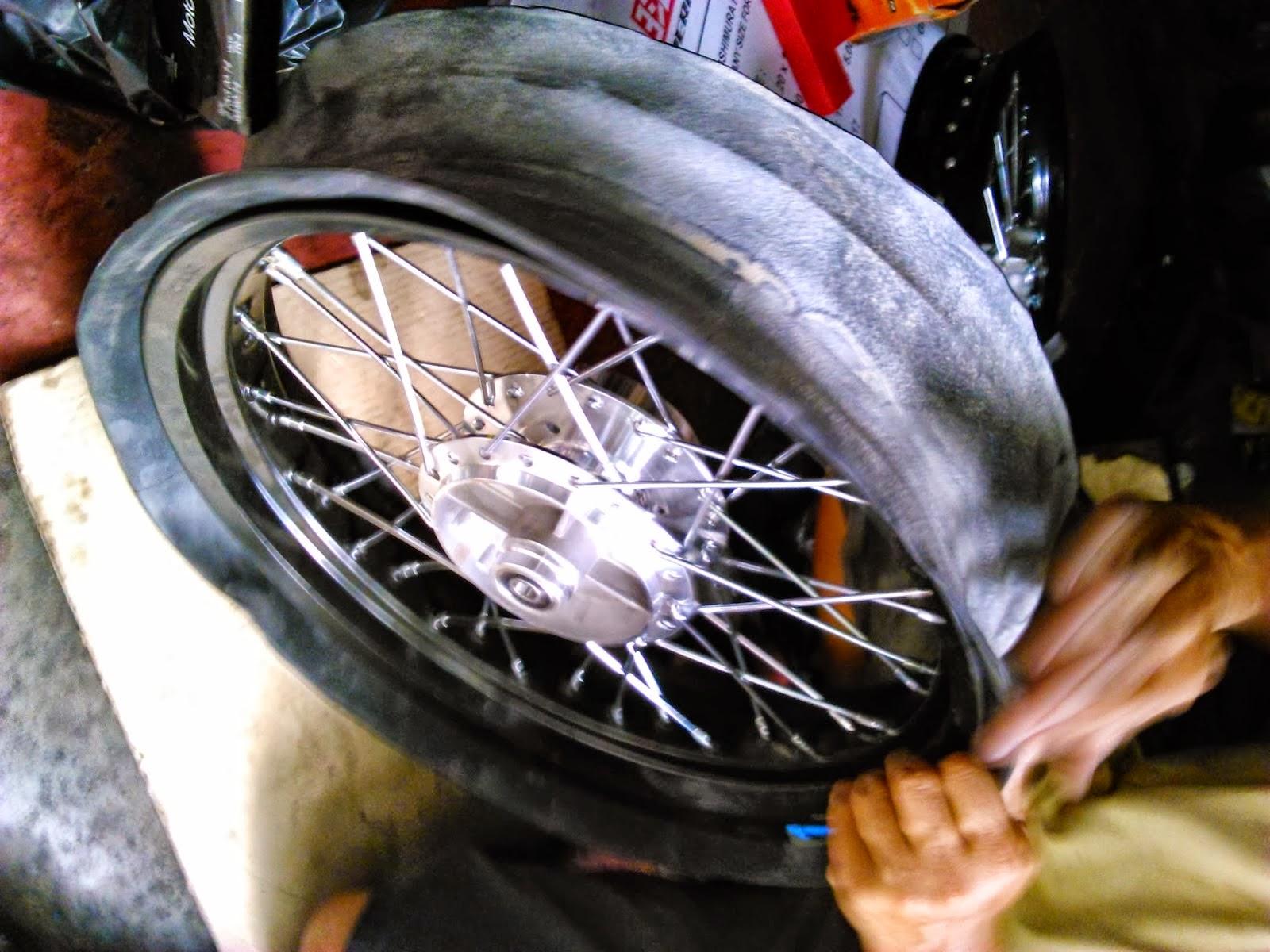 Honda Blade Modifikasi Velg Jari Jari