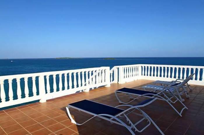 Okyanusun Ortasında Cennet Gibi Otel