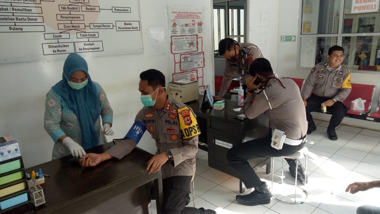 Kapolres Soppeng Bersama Personil Turut Serta  Donor Darah