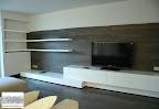 soggiorno Presotto con rivestimento parete in legno a Zogno Bergamo