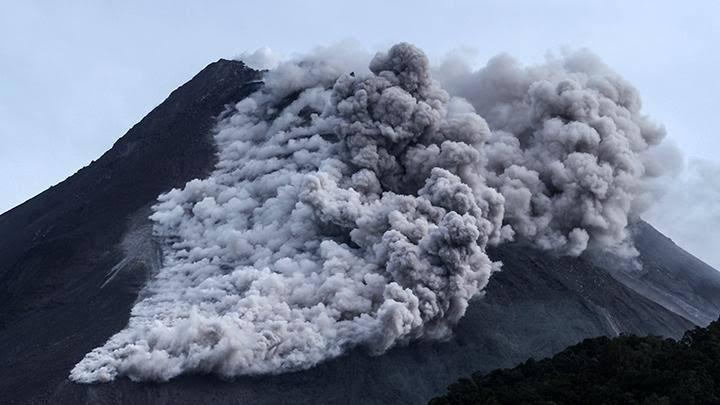 Awan Panas dan Lava Pijar Gunung Merapi Menurun, Radius 5 Kilometer Puncak Belum Boleh Dikunjungi