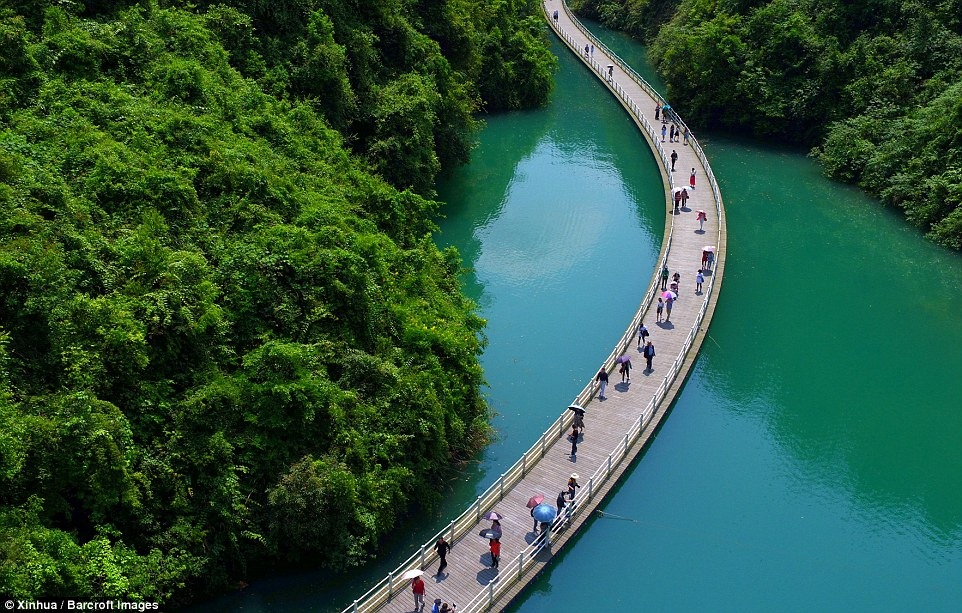 china-floating-walkway-4