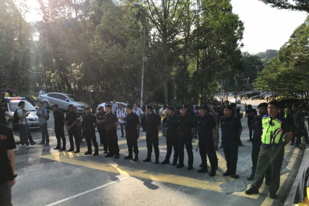 Heavy police presence at Tugu Negara and Parliament