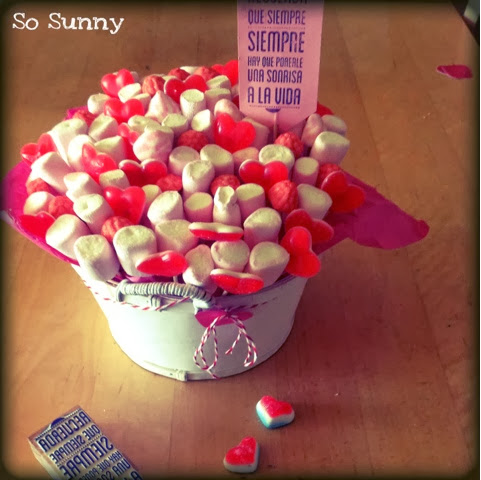 cesta de chuches, gummy bucket