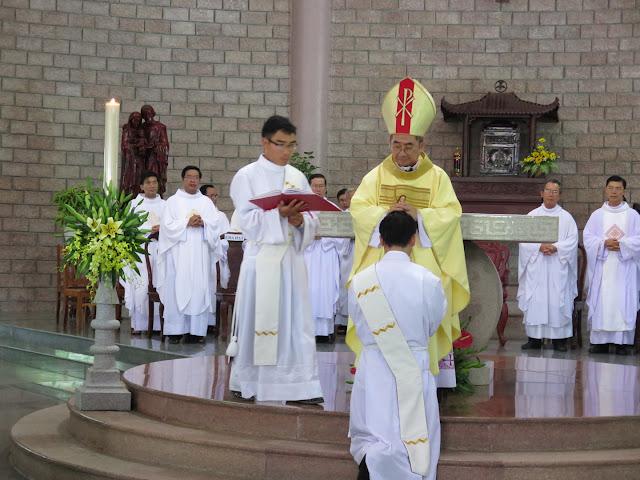 Thánh lễ truyền chức Linh mục cho đan sĩ Phó tế: Fr. Maria Gérard de Majella Thân Xuân Độ tại Đan Viện Xitô Thánh Mẫu Tâm Mỹ Ca