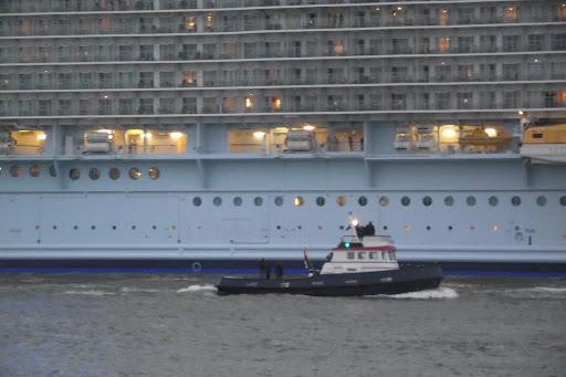 Oasis Of The Seas 2014-10-14 036.JPG