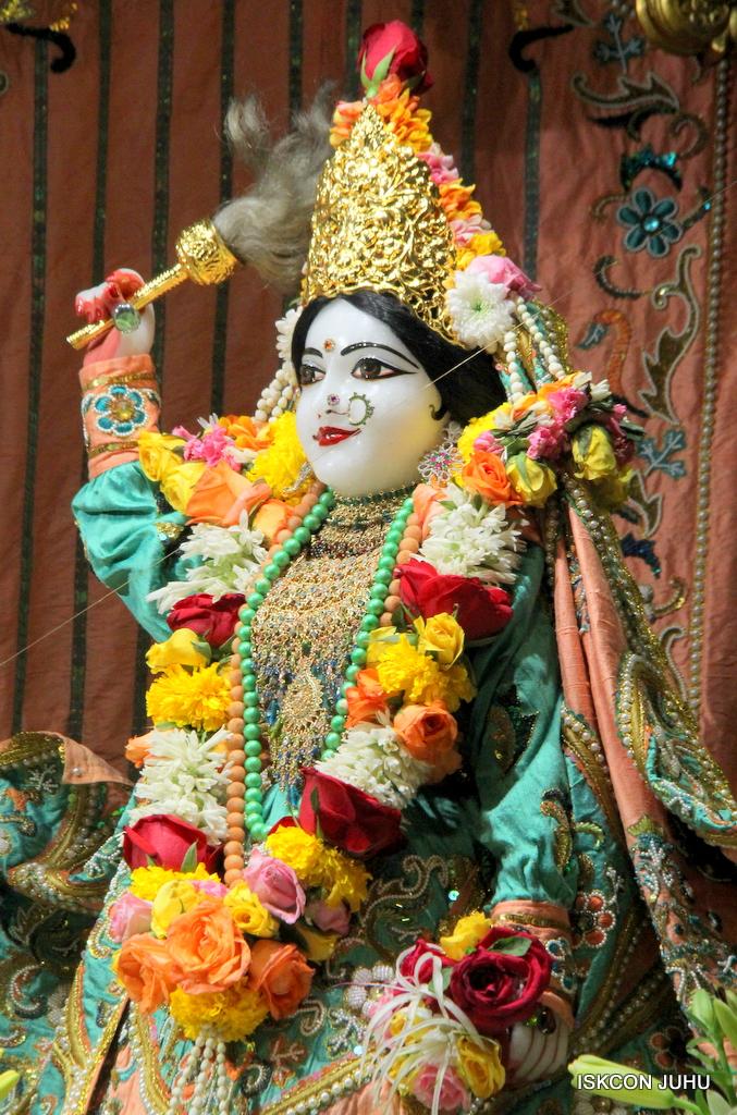 ISKCON Juhu Sringar Deity Darshan on 21st Oct 2016 (20)