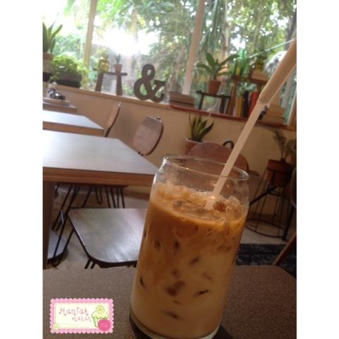 maniak-makan-7speedcoffee-jakarta-kemang-ice-white